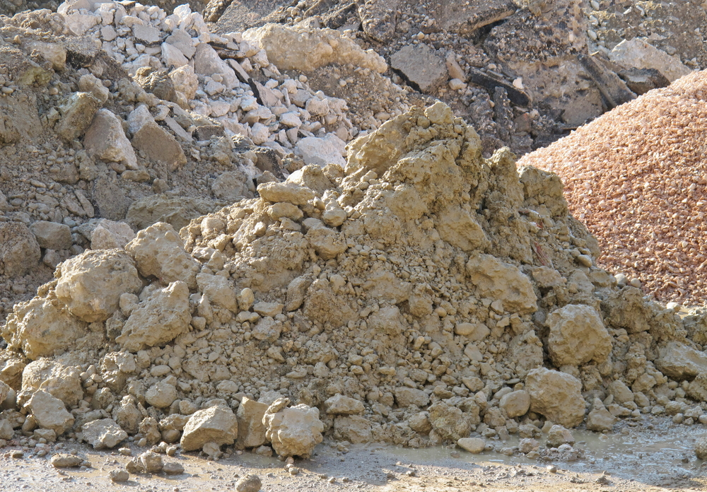 Aushub mit Steine